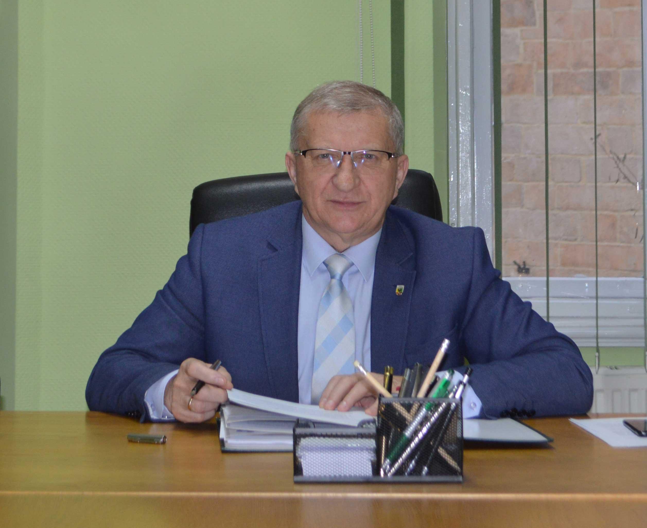Fotografia przedstawia Starostę Złotoryjskiego Wiesława Świerczyńskiego